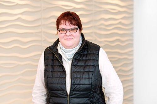 Frau van Kück, Hausverwaltung Paulsen.  Empfang, Sachbearbeitung und Telefonannahme
